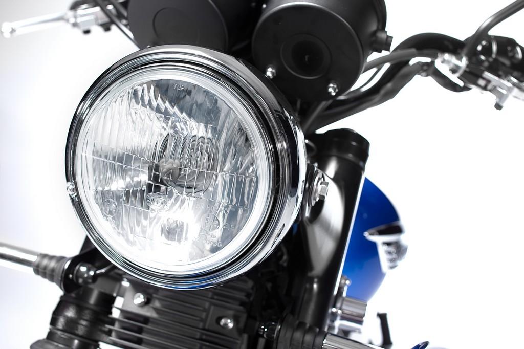 Triumph Bonneville T214 19