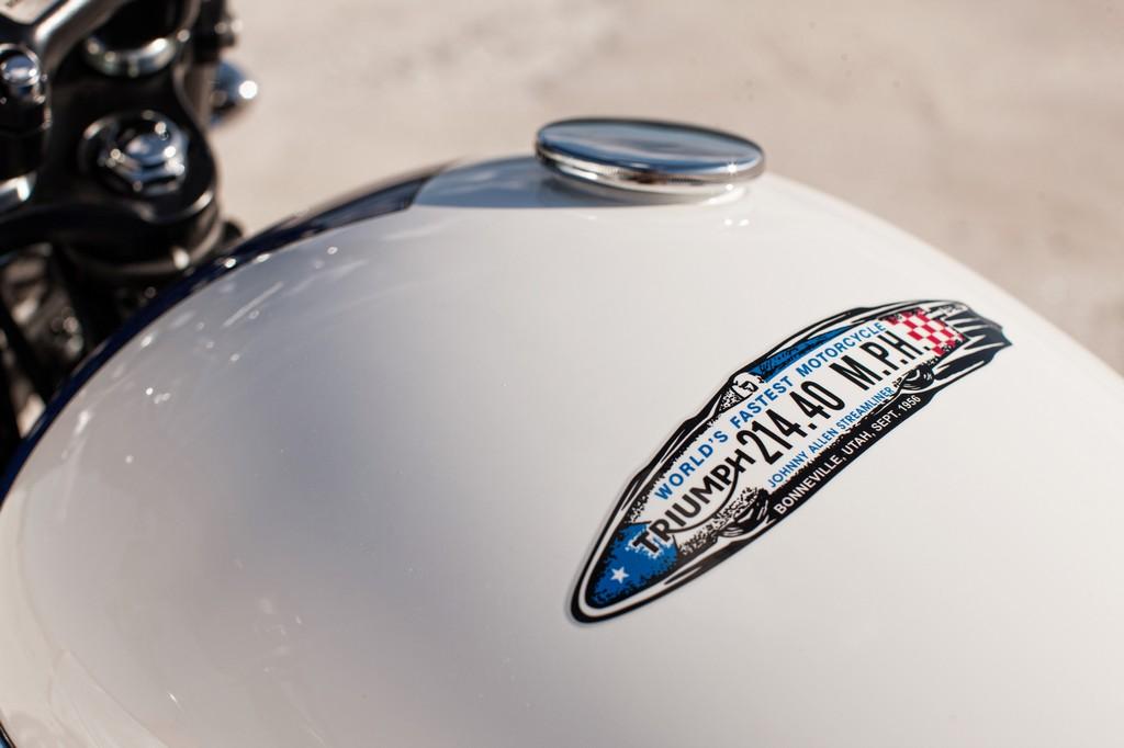 Triumph Bonneville T214 5