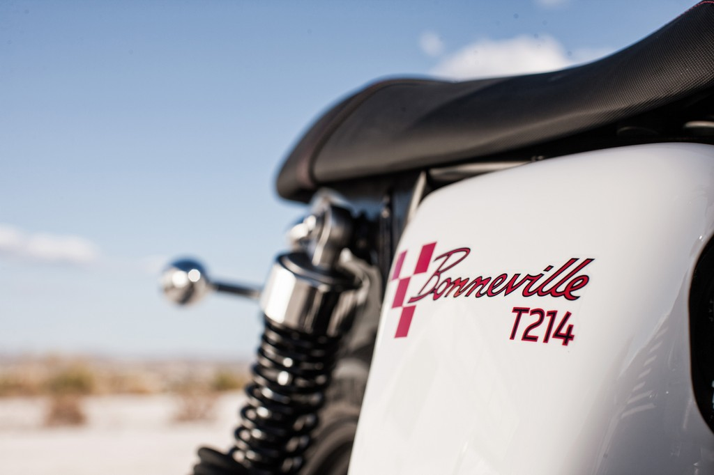 Triumph Bonneville T214 7