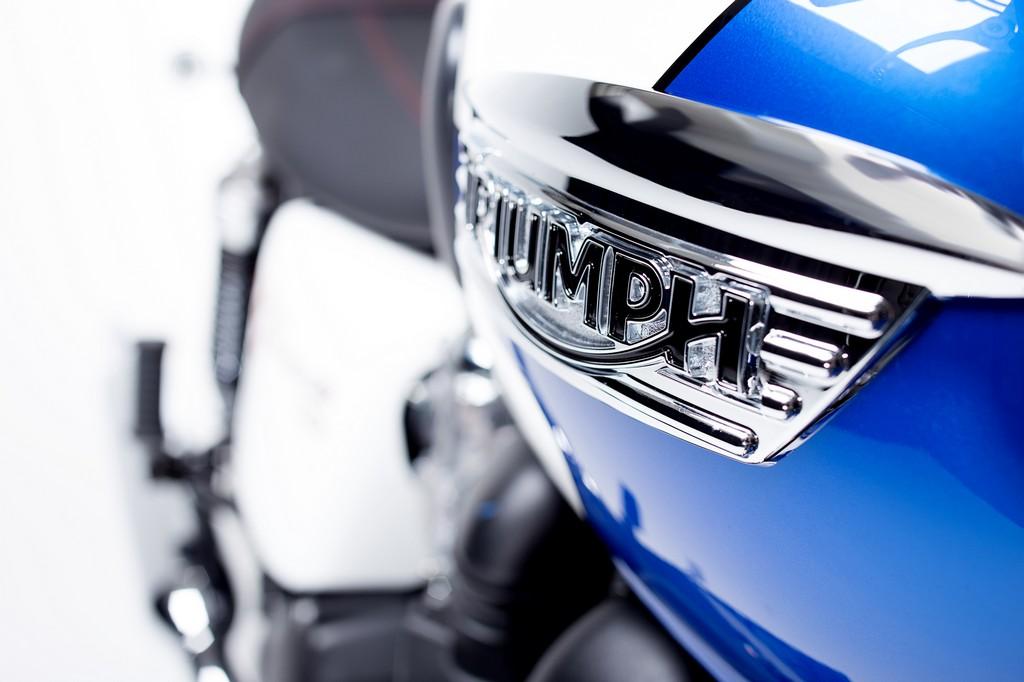 Triumph Bonneville T214 9