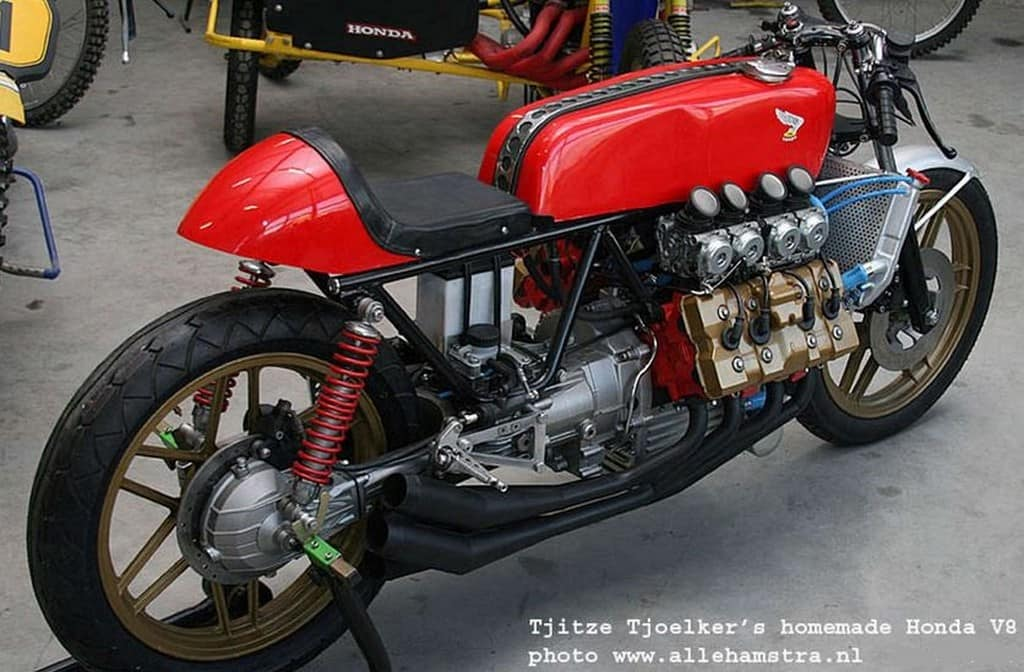 Honda Cafe Racer V8 01