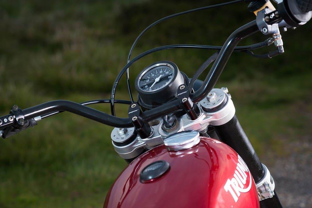Triumph T140 Scrambler 03
