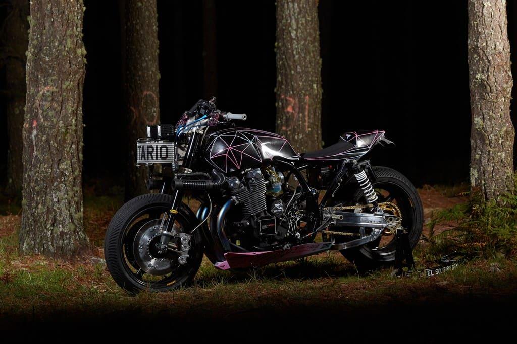Yamaha XJR1300 Big Bad Wolf El Solitario Tre Quarti