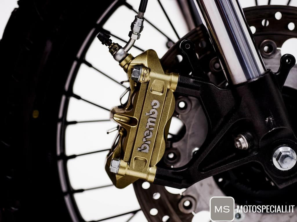 Honda CB750 Tracker HGC Pinza Brembo