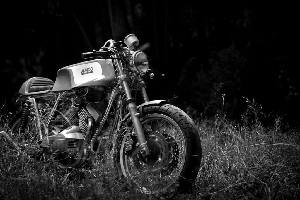 Moto Morini 350 K2 AdHoc Bianco e Nero