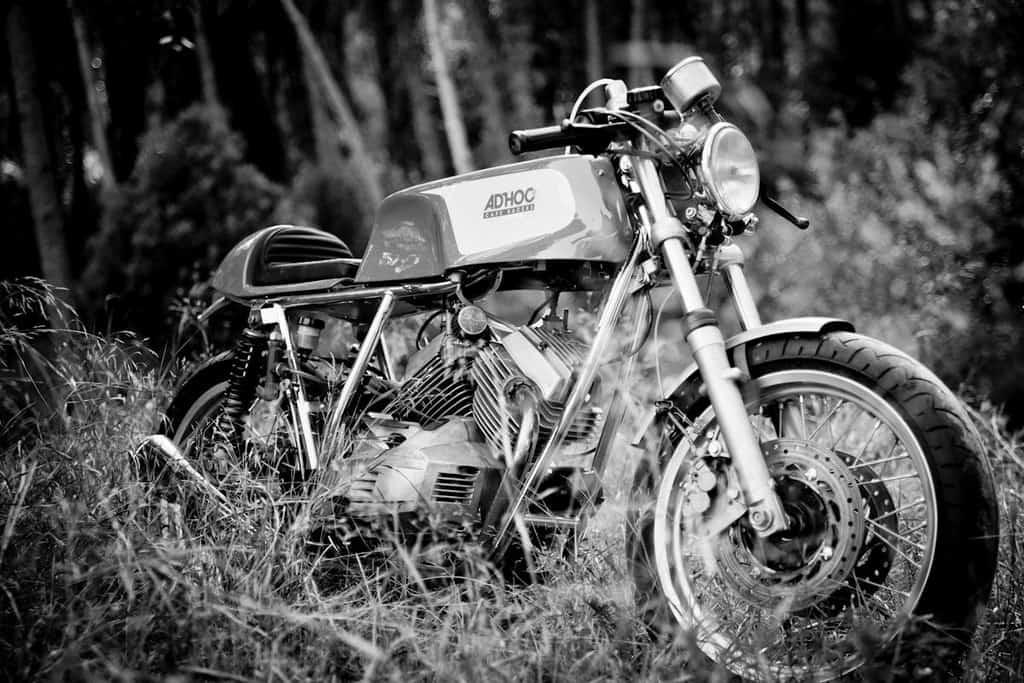 Moto Morini 350 K2 AdHoc Tre Quarti Bianco e Nero