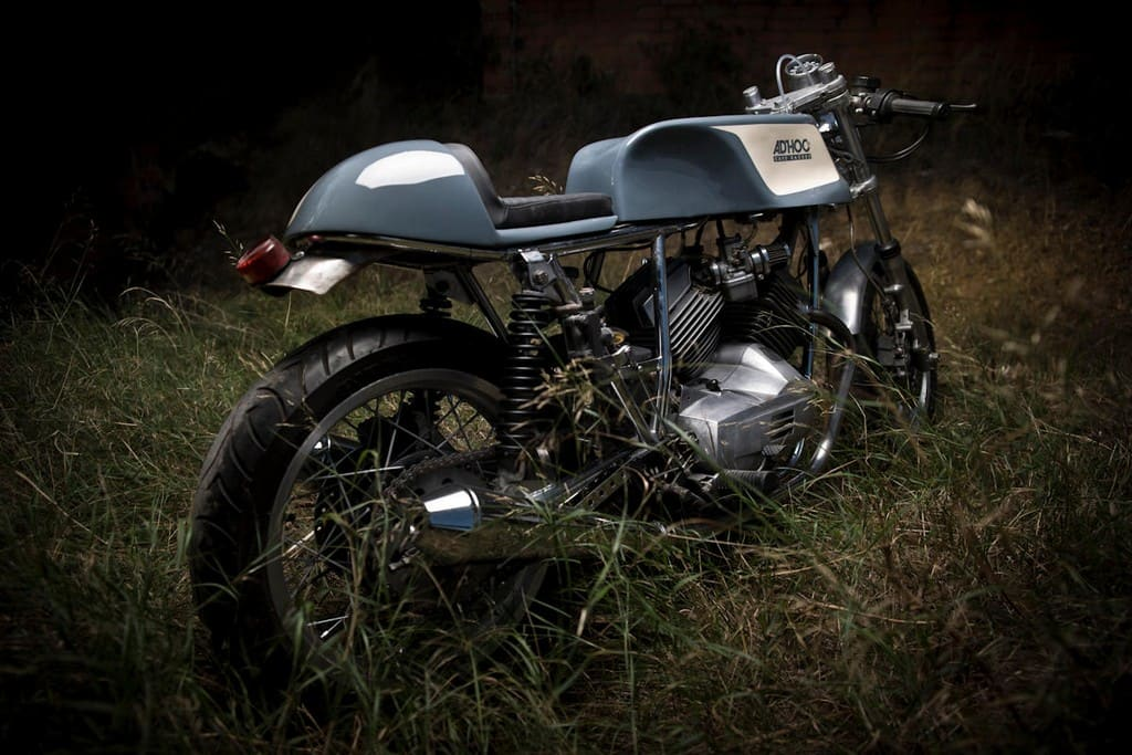 Moto Morini 350 K2 AdHoc Tre Quarti Posteriore