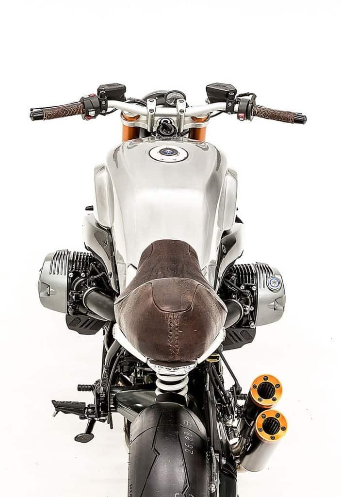 BMW R Nine T Elegant Bastard by Smokin Motorcycle Dietro