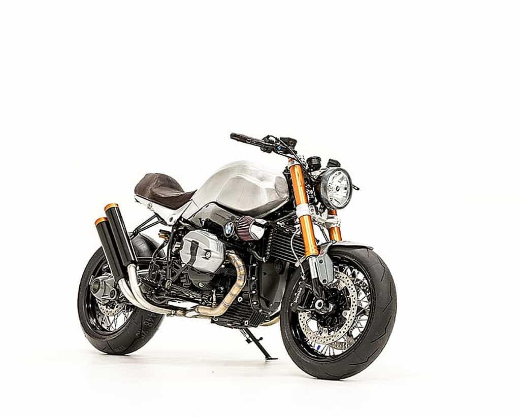 BMW R Nine T Elegant Bastard by Smokin Motorcycle Tre Quarti Destro