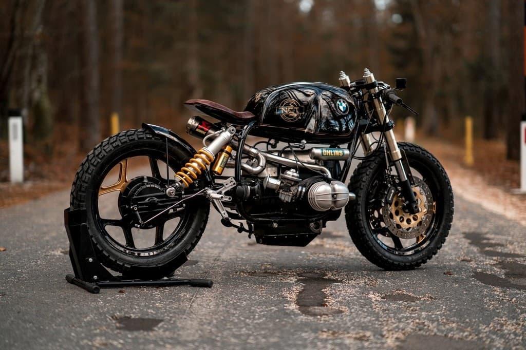 Black Stallion NCT Motorcycle Tre Quarti Posteriore