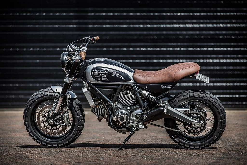 Ducati Scrambler Double Scoop Down e Out Cafe Racers