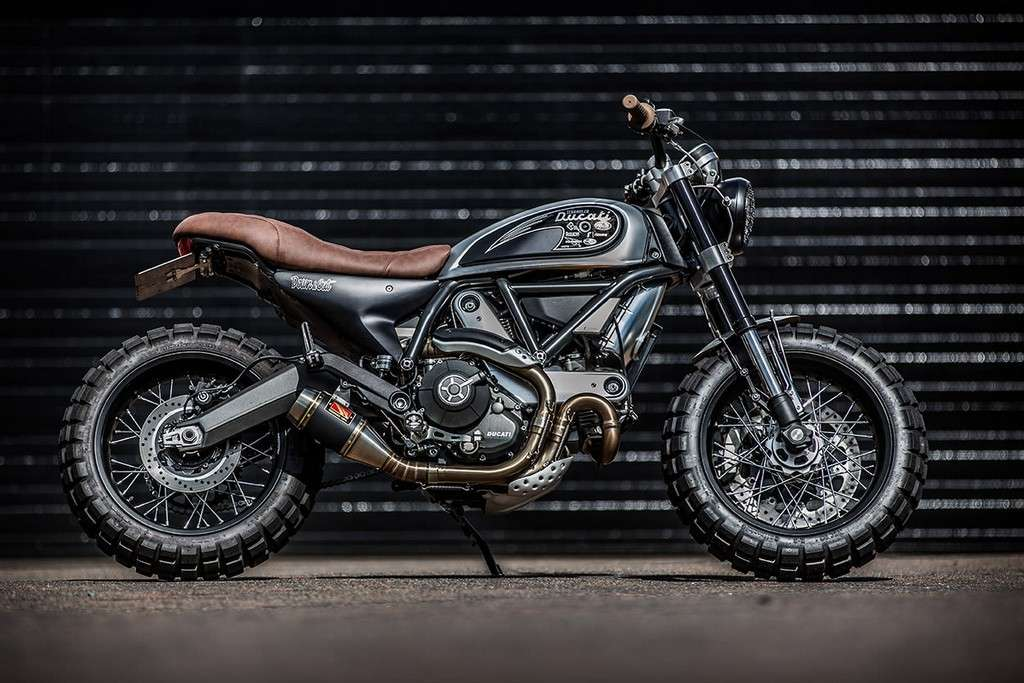 Ducati Scrambler Double Scoop Down e Out Cafe Racers Lato