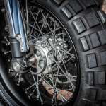 Ducati Scrambler Double Scoop Down e Out Cafe Racers Ruota