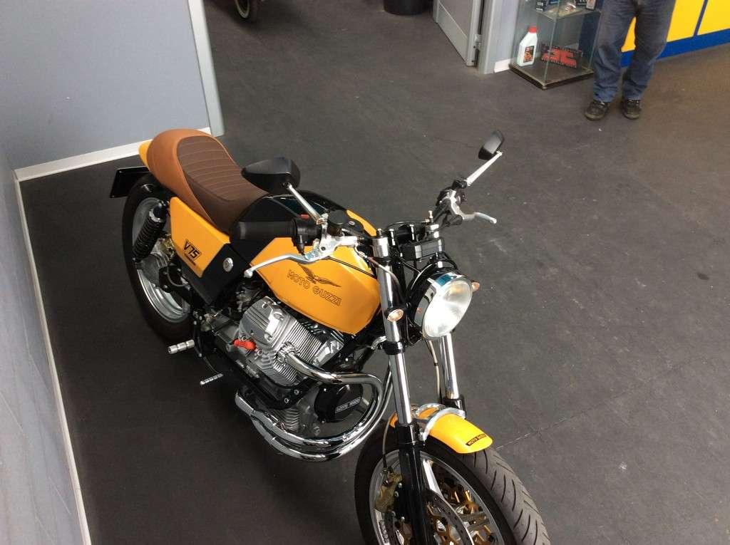 Moto Guzzi V75 PC 04