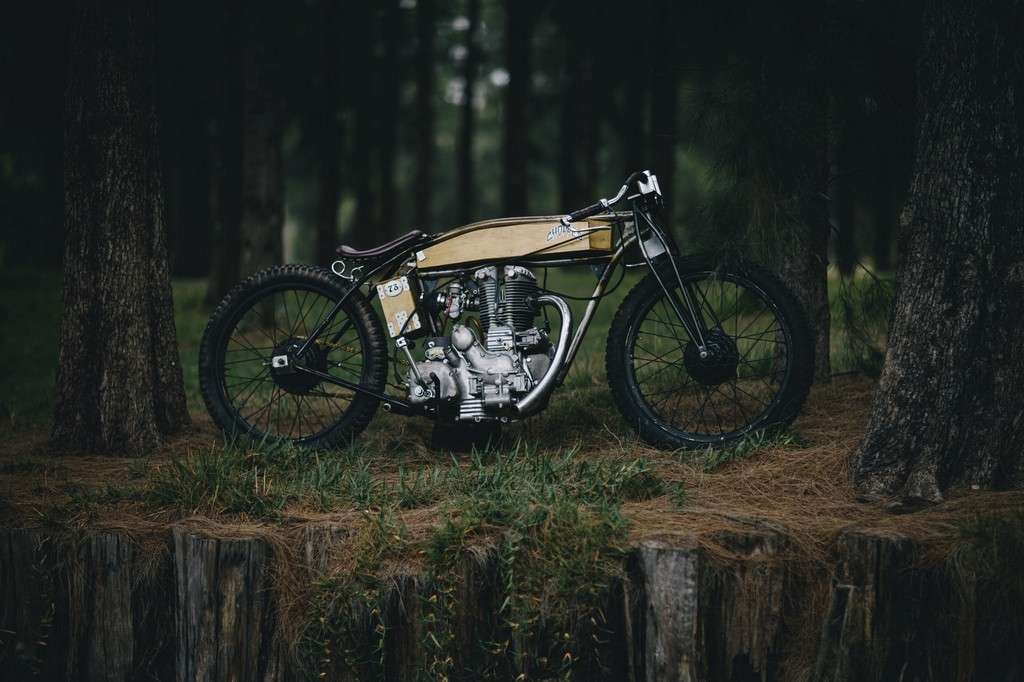 Royal Enfield Board Tracker 01