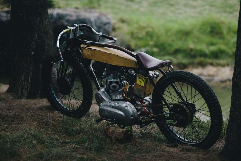 Royal Enfield Board Tracker 02