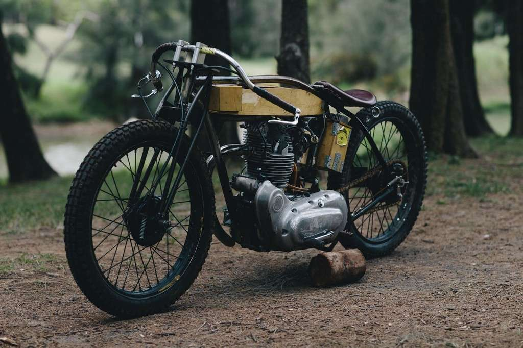 Royal Enfield Board Tracker 09