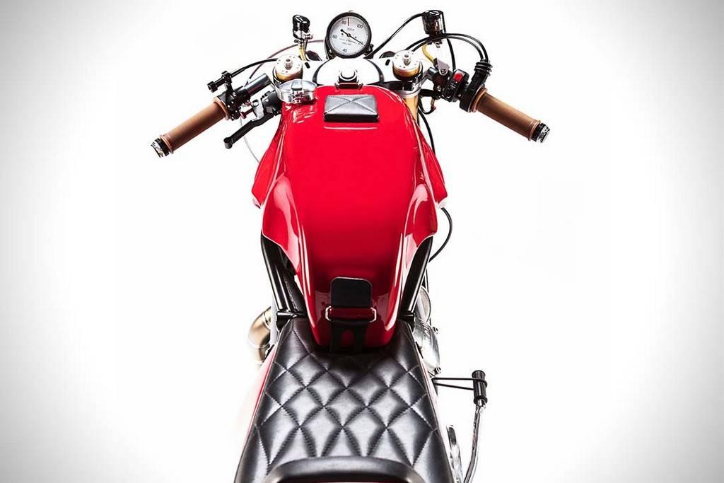 Alpinestar 55th Ducati 750 Sport 02
