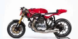 Alpinestars 55th Ducati 750 Sport: L'abito fa il monaco