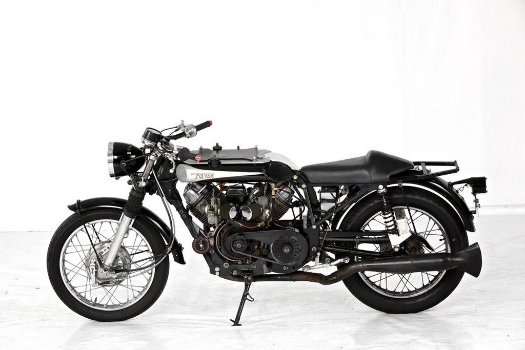 Raven Motocycles 750 02