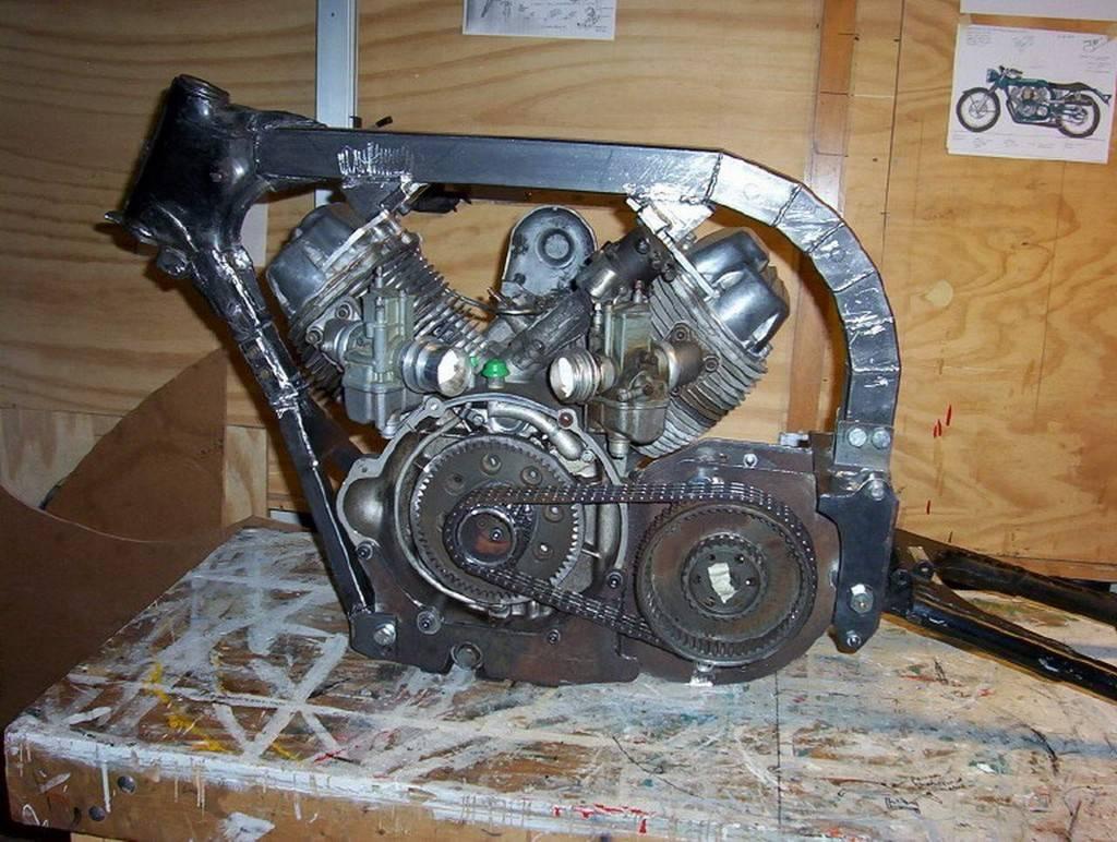 Raven Motocycles 750 13